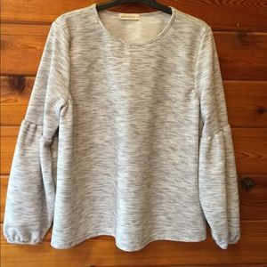 Pebble and Stone puffy sleeve top.